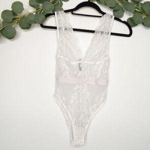 ARIA Lace & Mesh Bodysuit Deep V-Neck White Size M